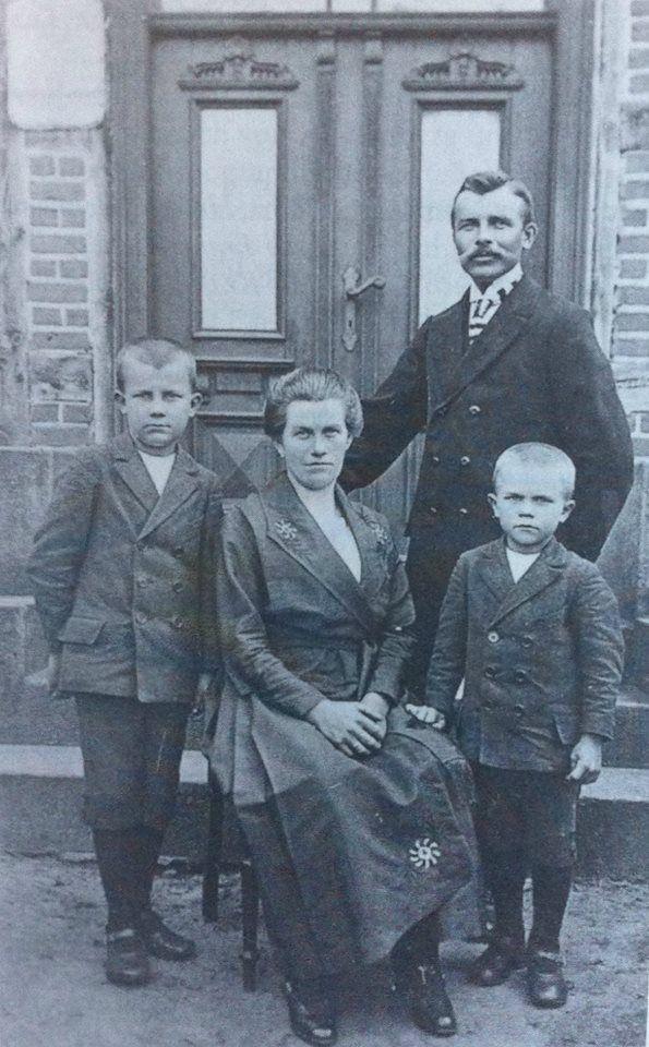 Familie Heinrich aus Petershagen 1923