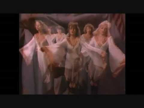 Bonnie Tyler-I Need a Hero video clip original (sub. español) HQ