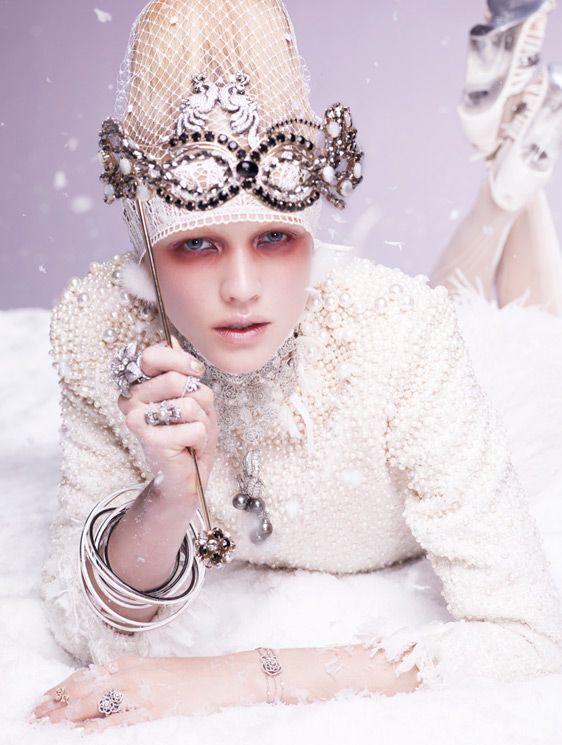 Hanna Wahmer by Satoshi Saikusa for Vogue Gioiello Winter 2011
