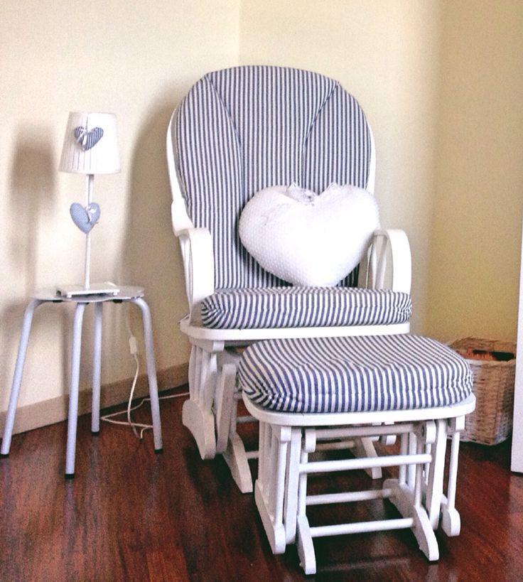 La nostra comodissima poltrona a dondolo  Rocking chair in our nursery