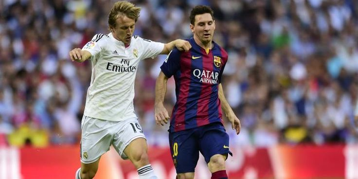 elatih Real Madrid, Carlo Ancelotti, diberitakan AS mempertimbangkan memasukkan nama Luka Modric dalam skuad Madrid saat melawan Villarreal, pada pertandingan lanjutan Primera Division, di Santiago Bernabeu, Minggu (1/3). Modric sudah bergabung dengan rekan-rekannya dalam latihan pada Kamis (19/2/2015), sejak pemain asal Kroasia tersebut mengalami cedera lutut saat membela negaranya melawan Italia pada November 2014. Menurut…