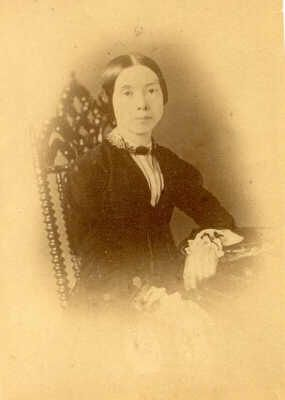 Emily Dickinson, regarded as one of America's greatest poets, is also well known for her unusual life of self imposed social seclusion. Living a life of simplicity and seclusion, she yet wrote poetry of great power; questioning the nature of immortality and death, with at times an almost mantric quality. Her different lifestyle created an aura; often romanticised, and frequently a source of interest and speculation. But ultimately Emily Dickinson is remembered f