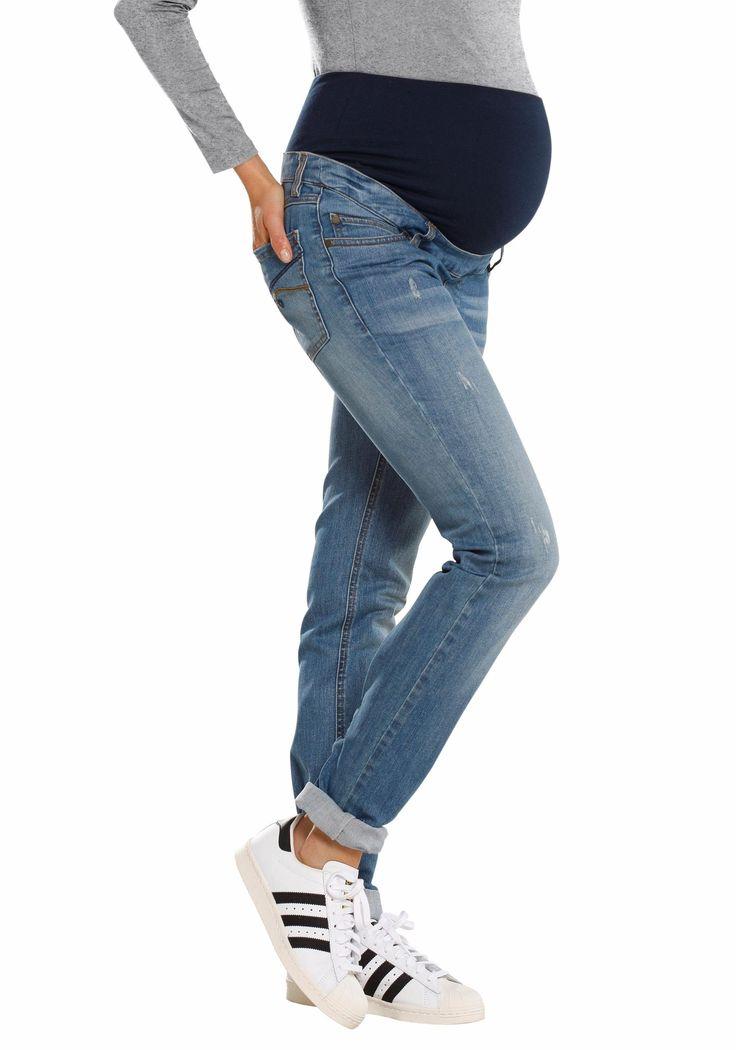 Wer sagt, dass eine Schwangerschaftsjeans nicht genau so stylisch und gemütlich sein kann wie deine Lieblingsjeans? Mit leichten Used-Effekten und der verwaschenen Optik ist sie voll im Trend und bringt dank verstellbarem Bund den Komfort gleich mit.