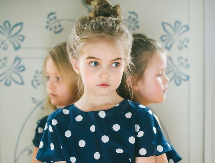 Δειτέ όλες τις οδηγίες για να μαθούν τα παιδια να προστατευόνται μόνα τους!  Όσο κι αν θέλουν οι γονείς να βρίσκονται πάντα στο πλευρό των παιδιών τους ως φύλακες-άγγελοι, αναπόφευκτα, καθώς τα παιδιά μεγαλώνουν και ανεξαρτητοποιούνται, περνούν όλο και περισσότερο χρόνο μακριά από τους γονείς και το άγρυπνο βλέμμα τους. Οι επιτήδειοι, όμως, …
