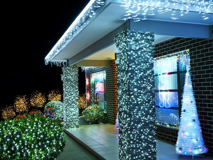 Add some sparkle and hang your lights off eaves, pergolas and balconies #festiveoutdoors #entertainment