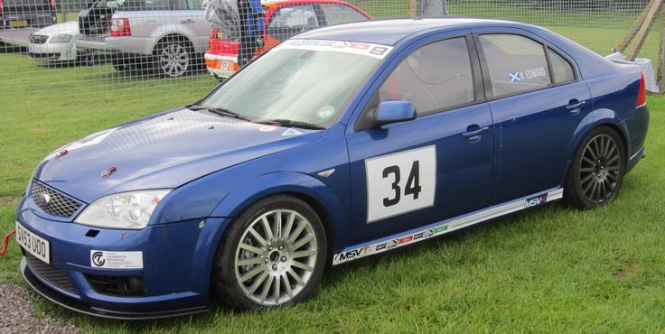Ford Mondeo ST220  (B)