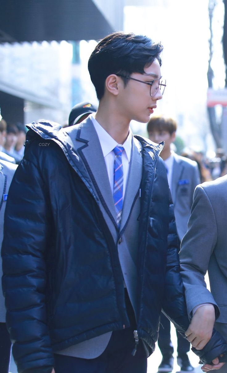 Lai Guanlin; he looks so good in specs like yEs boy