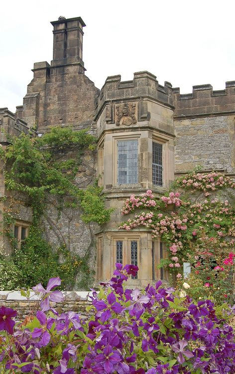 Haddon Hall, Derbyshire, England (by buildings fan)