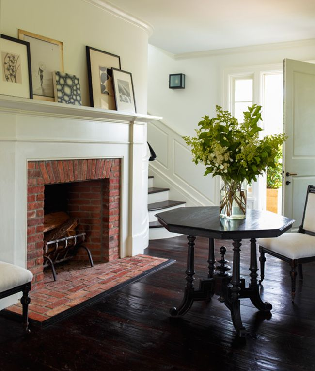 Entrance of Wainscott NY Residence by Sawyer Berson, Hamptons, featured on Savvy Home