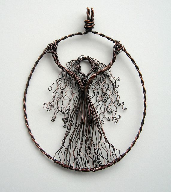 Wire Goddess by Louise Goodchild, via Flickr
