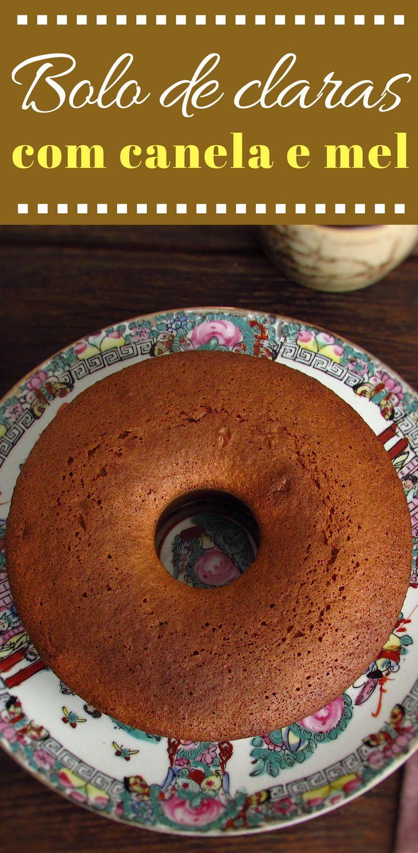 Bolo de claras com canela e mel | Food From Portugal. Para variar os sabores tradicionais, prepare este bolo com claras de ovo, canela e mel e vai ver como estes sabores se fundem num bolo delicioso. É óptimo no Inverno com uma chávena de chocolate quente! #receita #bolo #canela #mel