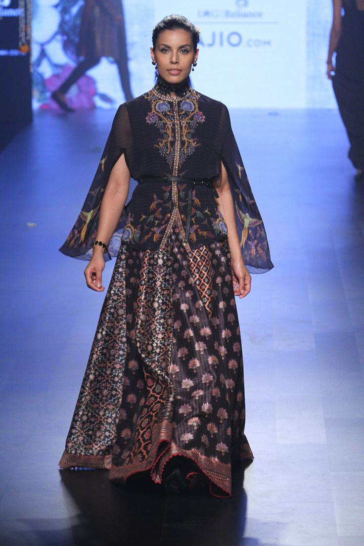 Tarun Tahiliani Collection At Lakme Fashion Week Summer