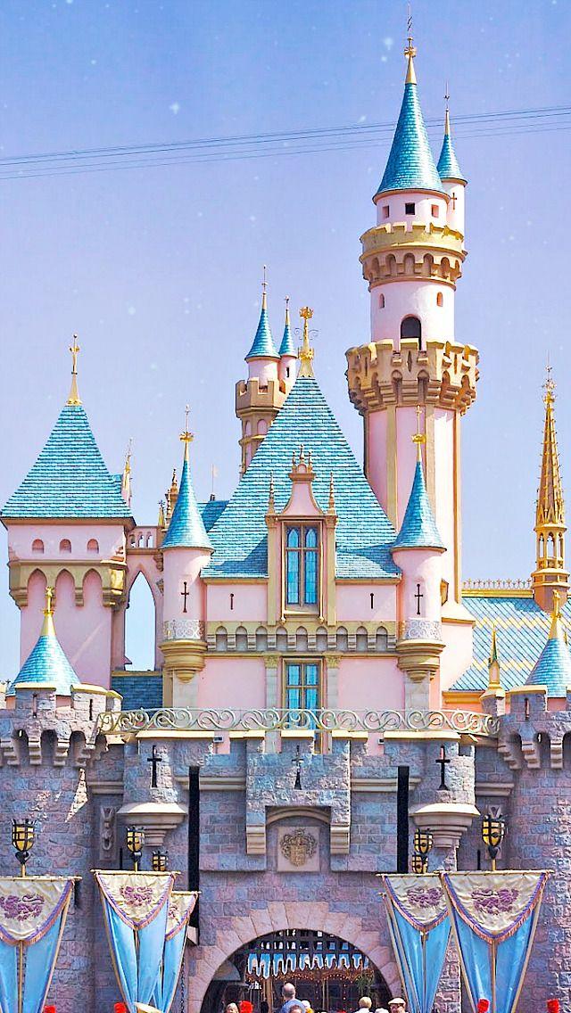 The Castles Of Disney Parks 1 Disneyland 1955 2 Walt Disney World 1971 3 Disneyland Tokyo 1983 Disney Wallpaper Disneyland Iphone Wallpaper Disney Castle