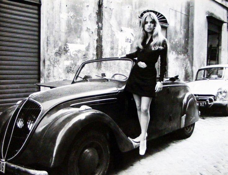 #Sixties | Edina Ronay