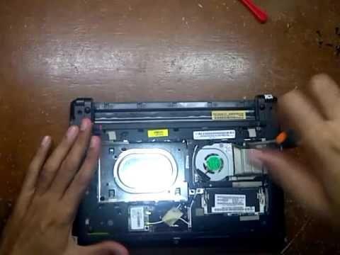 membuka casing laptop Acer Aspire one 522