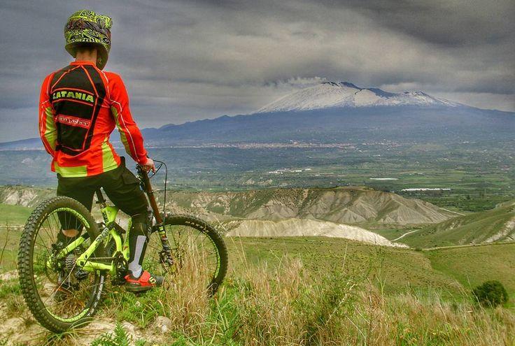 """""""Mi piace"""": 128, commenti: 4 - Team Fisher MTB (@teamfishermtb) su Instagram: """"Relax Day al FisherPark...tra Jumps...riding..zappa..spine e birra ignorante.. """""""