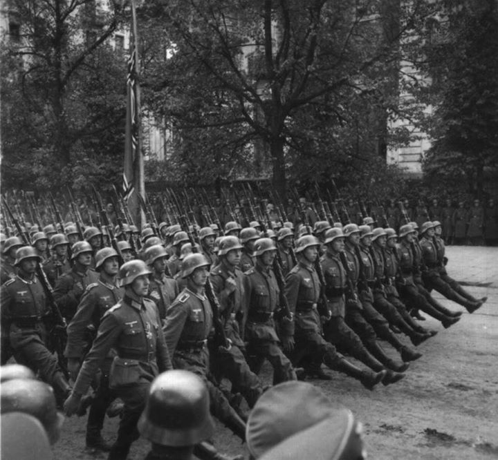 German troops marched through Warsaw September 1939.