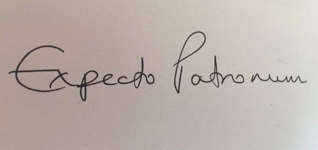 Caligrafia de J.K. Rowling vai virar tatuagem motivacional