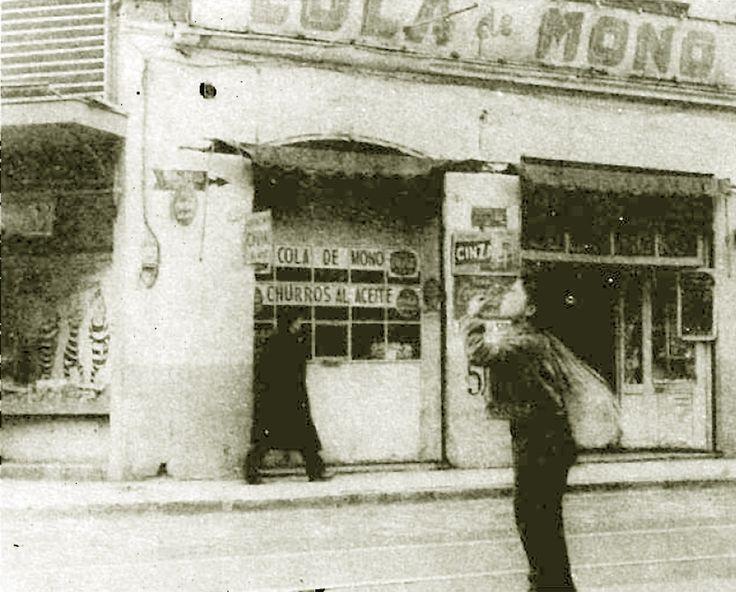 """El clásico bar el """"Cola de Mono""""  de  calle San Diego (imagen: revista """"En Viaje"""").   Este texto es parte de la selección de artículos de..."""