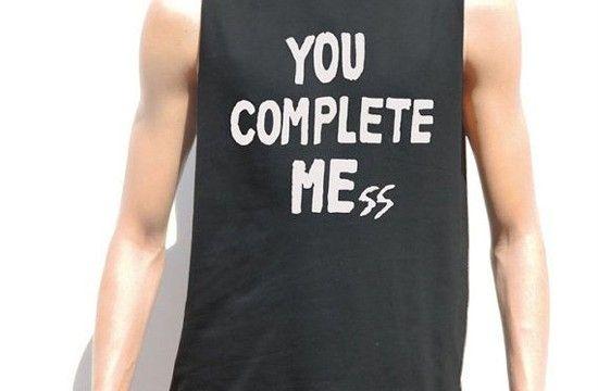 Dicas bacanas para customizar camisetas para homens usando apenas uma tesoura