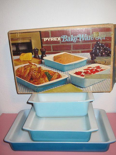 Horizon Blue Bake ware Set. AAAAAAAHHHHH -AAAAAAAAAAAAHHHHHHH. WHAT I WOULD GIVE FOR THIS SET
