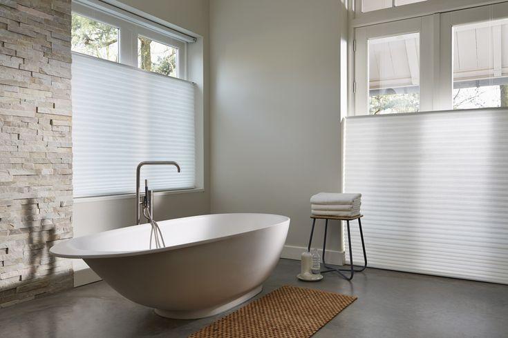 Plissé gordijnen in de badkamer. Stel eenvoudig online samen en helemaal op maat!