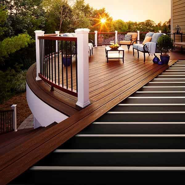 How to build a durable backyard retreat backyard retreat for Outdoor composite decking