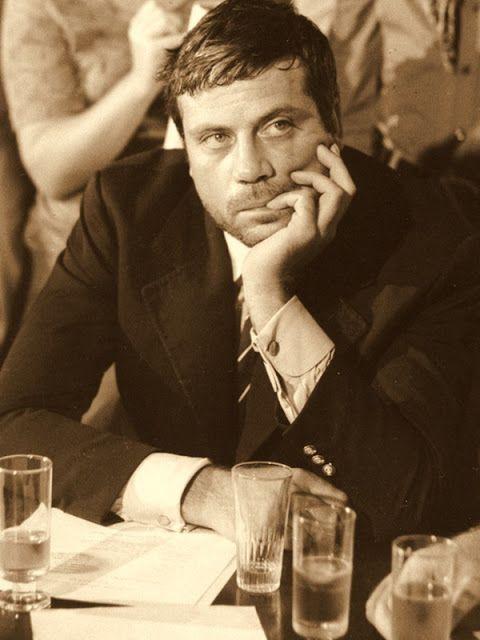 Oliver REED (1938-1999) [Filmsite] Active 1958-1999 > Born Robert Oliver Reed 13 Feb 1938 Surrey, England > Died 2 May 1999 (aged 61) Malta, heart attack > Spouses: Kate Byrne (1959–1969 div); Josephine Burge (1985–1999, his death) > Children: 2