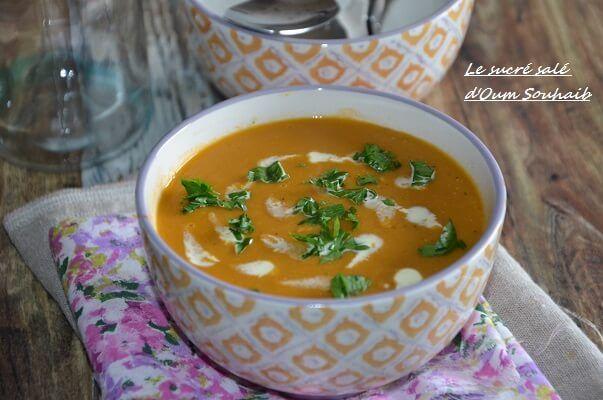 soupe de lentilles corail indienne, recette soupe lentilles corail indienne avec des pommes de terre curry et garam masala, un velouté indien