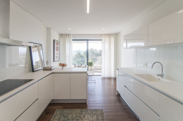 HomeLovers: white kitchen ideas