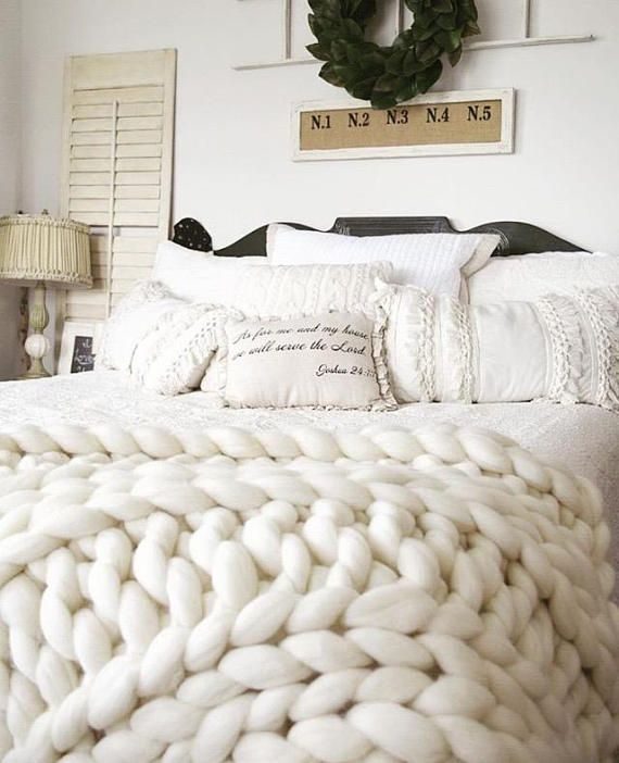 Love these rustic farmhouse bedroom setup and I'm in love with these Chunky Knit Blankets Merino Wool blanket Arm knit blanket #afflink