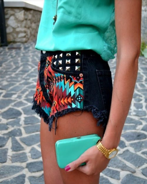 Obsessed with this outfit! on the look out for some shorts at the thrift stores so I can make my own version!