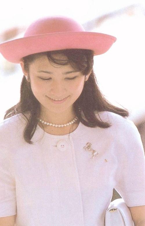 お若い頃の秋篠宮文仁親王妃紀子(あきしののみやふみひとしんのうひきこ)殿下  Japanese Princess Kiko.
