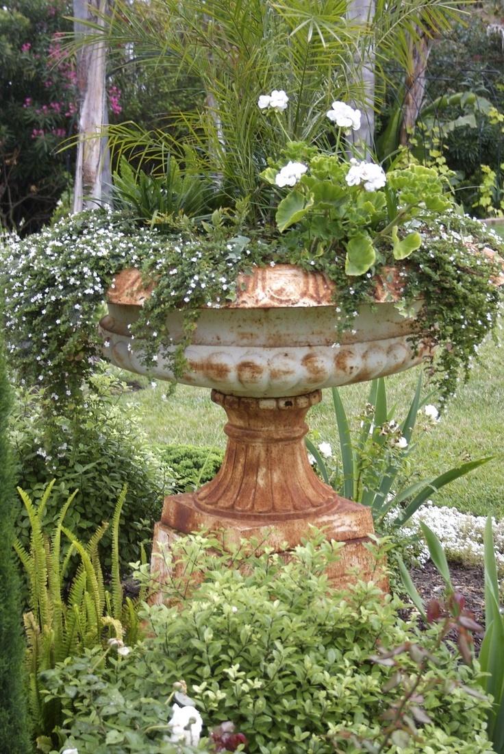 The Gardens Of Petersonville: The Moonlight Garden