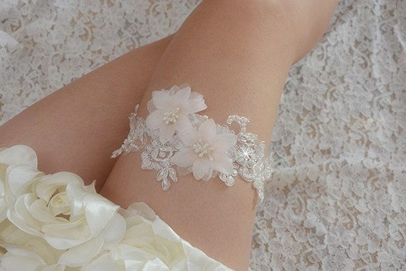 off-white bridal garter, wedding garter, bride garter ,   beaded floral garter,light pink flower garter,garters for wedding ,toss garter