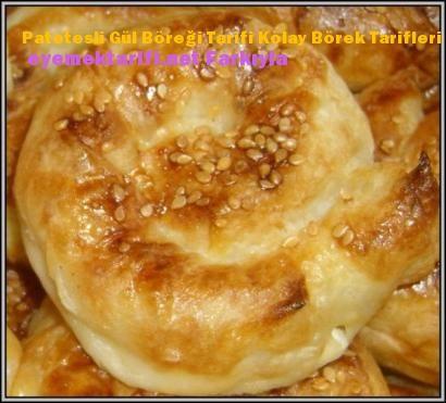 PatetesIi Gül Böreği Tarifi için Malzemeler  Tuz PuIbiber 1 Su Bardağından Biraz Az Lor Sıvıyağ Yumurta Sarısı 1/2 Maydanoz 4 Tane Y