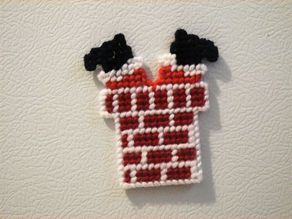 Look at this adorable magnet with Santa half way down the chimney. What a perfect display for your refrigerator for Christmas.