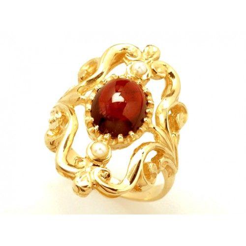 9ct Art Deco Garnet & Diamond Ring. gerrim.com