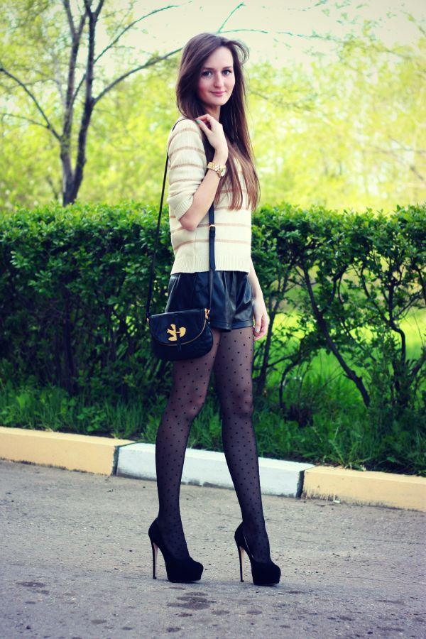 девушки в джинсах и в колготках