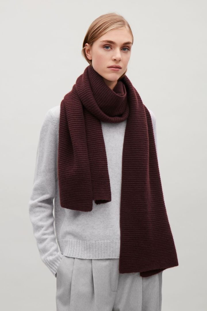 COS | Ribbed cashmere scarf