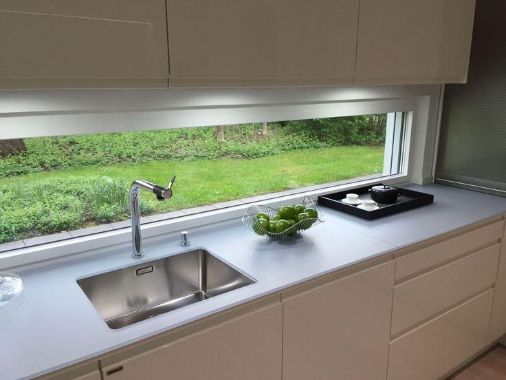 Fen tre panoramique cuisine cuisine fen tre panoramique rideau meubles en 2019 rideaux - Rideaux petite fenetre ...