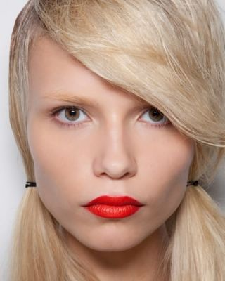 Rossetto Arancione  http://sweetflo.it/2013/08/24/rossetto-arancione/  #SweetFlo_Silvia #MakeUp #Rossetto #Lipstick