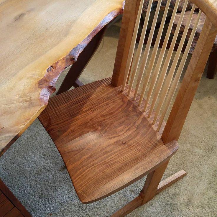 Single slab, highly-figured, English Walnut #conoidchair #nakashima paired with English Walnut #conoid desk #gooddesign #miranakashima #georgenakashima #japanesedesign #furnituredesign #furniture