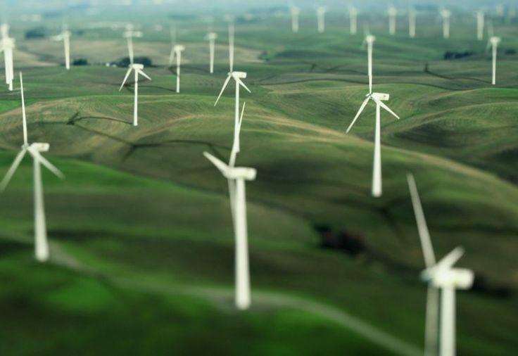 Claves desde la organización Greenpeace para entender la importancia de las renovables en la factura energética del consumidor según temporada del año  #greenpeace #renovables #electricidad #energia