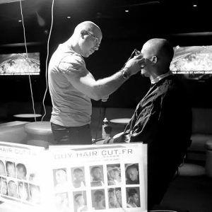 Tendance #coiffure : découvrez le parcours d'un #coiffeur qui a troqué son salon par une discothèque !