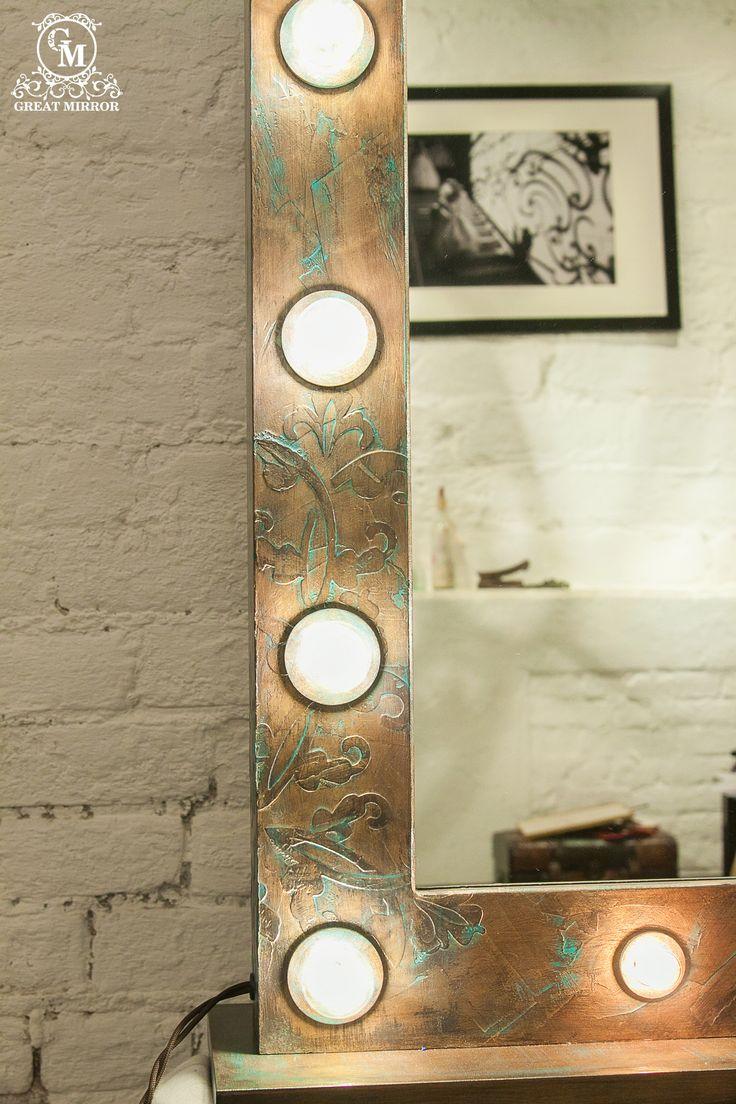 """Медное гримерное зеркало """"Antique copper"""" сочетает в себе все лучшее от самого теплого металла - роскошный цвет и благородную патину.  Дизайн гримерного зеркала """"Antique copper"""" уникален и создан вручную. В нем превалирует настроение стиля """"лофт"""".  Заказать гримерное зеркало со свои уникальным дизайном можно на нашем сайте>>> http://rayapple.ru/mirror/  #ГримерноеЗеркало #зеркало #mirror #makeup #MakeupMirror #dressingroom"""