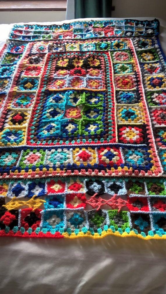 """Multi gekleurde oma vierkante deken, 122cmsx80cms maatregelen (48"""" x31.5"""") OOAK gooien. Handgemaakte Afghaanse haak. Langwerpige kinderbed deken. Picknick deken."""