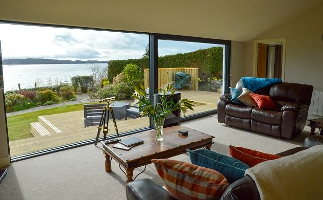 Holiday Cottages in Scotland - Grannda Mhor - Living area opening onto the decking