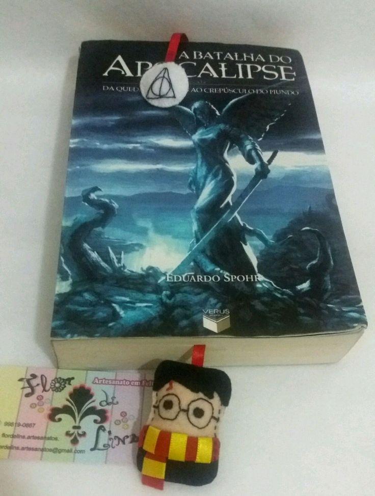 Marcador de livros Harry Potter. Em formato de fita para encaixar na página. Feito à mão