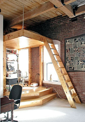 Love the ceiling chain. Interested in doing this in my den for an extra sleeping space.